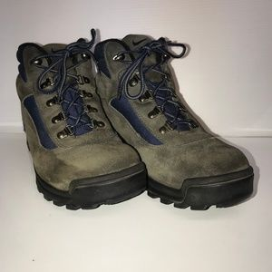 Nike ACG all-trac mens size 10 suede lace up boots